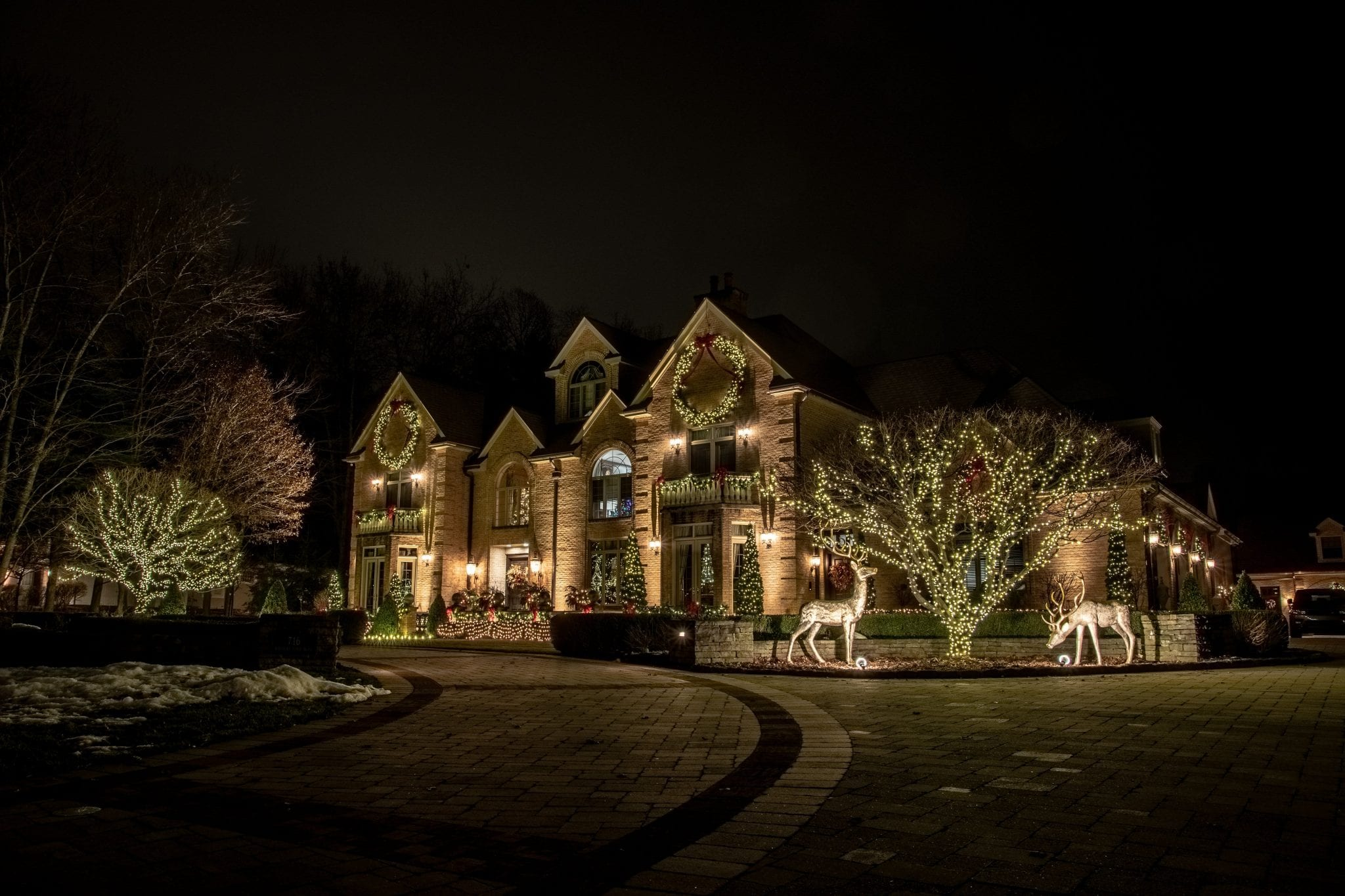 Awesome christmas light show in Latham ny